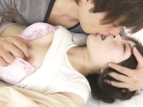 可愛い素人女の子がイケメン男優にいっぱいキスされてラブラブH!甘えん坊な素人美少女が何度もイカされちゃう♪s-cute 7th No.74 Hina女の子のための無料H動画